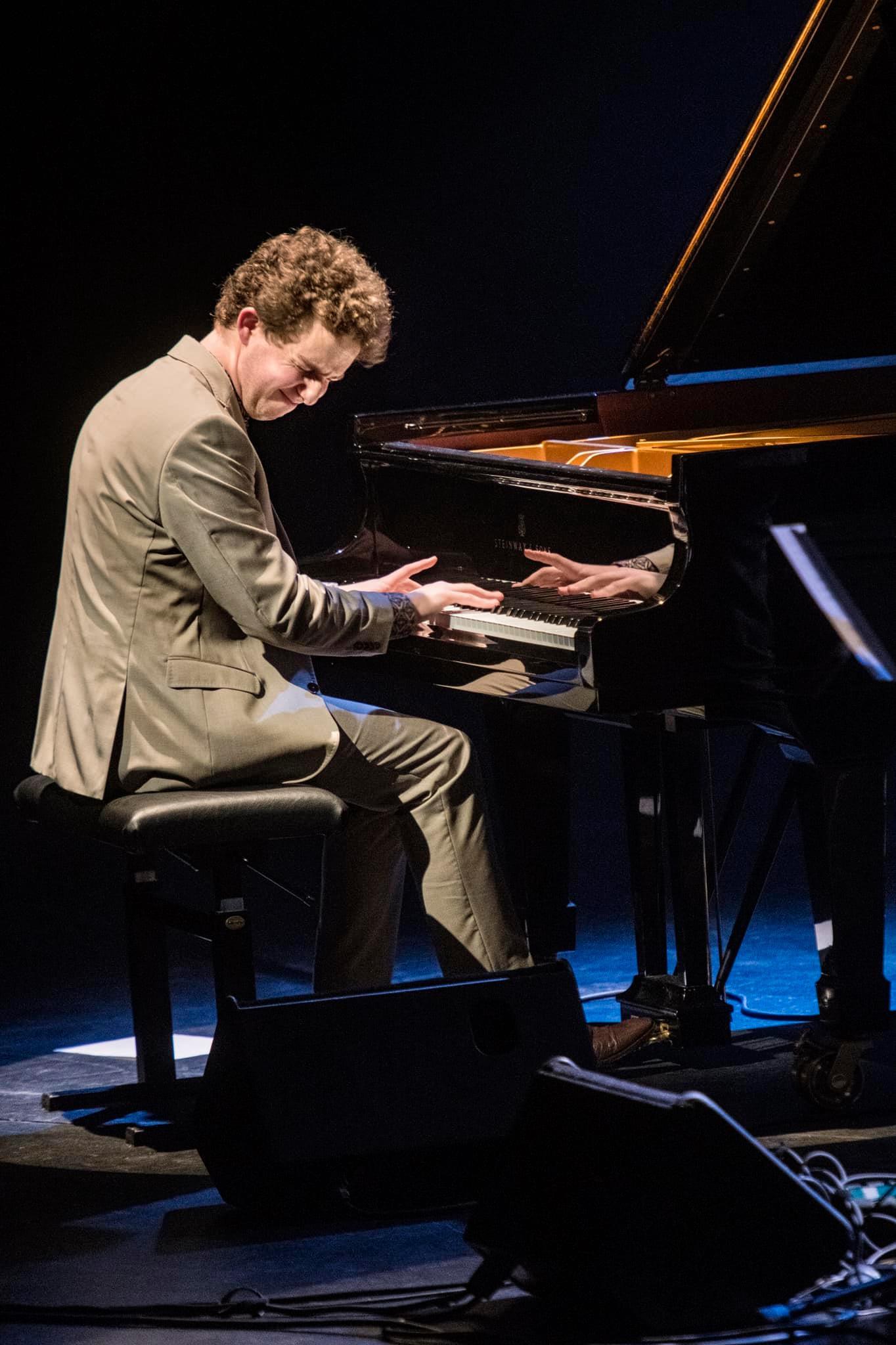 Arthur Possing - Piano Solo - EN